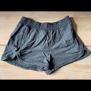 lululemon shorts as 4
